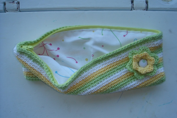 Crochet-Missys-Pencilcase-Green